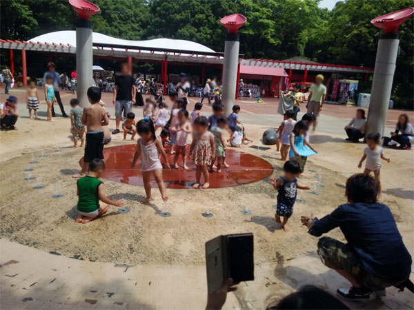 【動画あり】千葉市動物公園の噴水で水遊びをしてきたよ