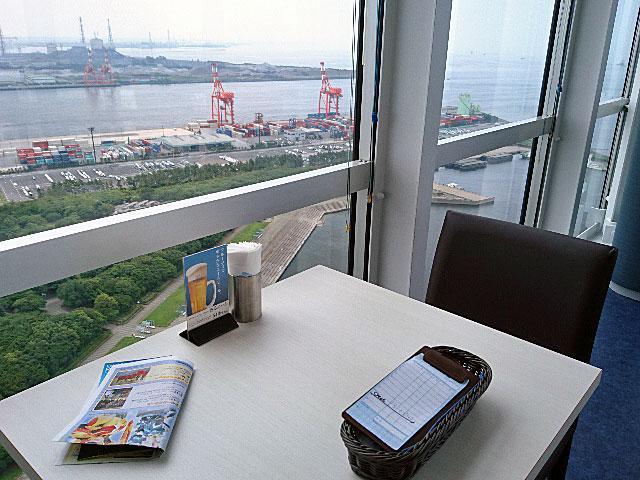 千葉ポートタワーレストランでランチ